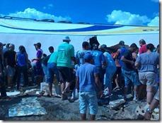 Carreta de iogurte virou na tarde dessa sexta-feira (17) na BR423 próximo a Paranatama. Agreste News Revista.