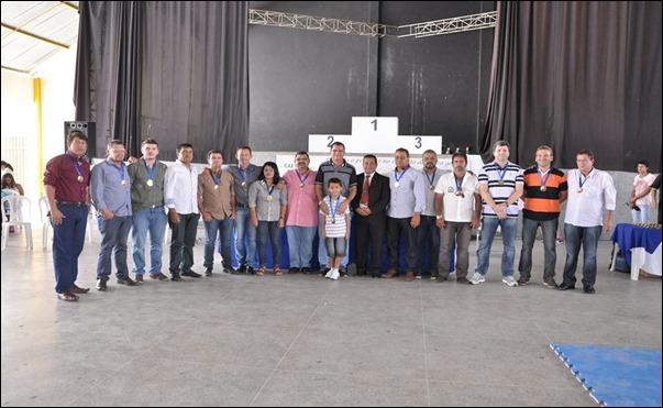 O Prefeito de Caetés, Armando Duarte e seu Vice, Severino Gordo, estivera estiveram presentes na 1º Copa Karatê de Caetés. Agreste News Revista.