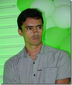 O aniversariante de hoje é o Empresário da empresa Monte Horebe, Zelandyo Santos Silva.