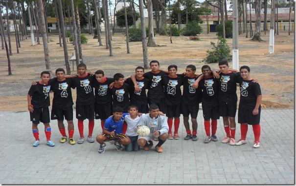 Nesse domingo (13) o time da escolinha de Paranatama sub 17, foi campeão da Copa Garanhuns de futebol sub 17.