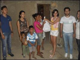 Coopronatama juntamente com Movimento jovem, fazem doações de cestas básicas na cidade e zona rural de Paranatama.