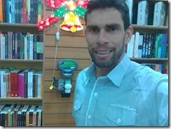 Palestrante, escritor de Auto ajuda e blogueiro, Júnior Pereira, representará a cidade de Paranatama na 2º Bienal internacional do livro do Agreste.
